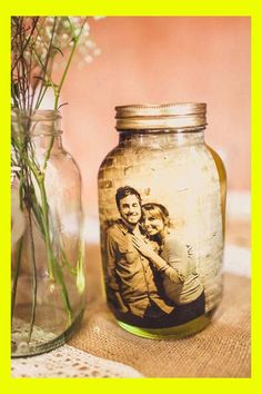 35 DIY Easy And Cheap Mason Jar Projects Black and white pics in mason jar. I love these for the table centerpiecesBlack and white pics in mason jar. I love these for the table centerpieces Mason Jar Projects, Mason Jar Crafts, Diy Projects, Diy Valentines Gifts For Him, Fruits Decoration, Cheap Mason Jars, Rustic Mason Jars, Valentines Bricolage, Foto Transfer