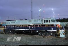 RailPictures.Net Photo: NS 8101 Norfolk Southern GE ES44AC at Chattanooga, Tennessee by Norfolk Southern Corp