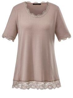 Das trägt HAYLEY Sara Lindholm Shirt mit Spitze #spitzenshirt #shirt #hellome