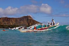 Hawaiian Surfing is a way of life on Oahu. Check out top North Shore beaches or learn how to surf. With close to a hundred named Oahu surf spots around the island, it's hard surf them all! Wood Canoe, Canoe Boat, Canoe Camping, Paddle Boat, Hawaii Tours, Oahu Hawaii, North Shore Beaches, Outrigger Canoe, Sailing Trips