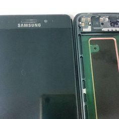 Samsungin lippulaivamallin #galaxy #note7 näytöt saapuivat sopivasti varastoomme kun ennakkoon tilanneet saavat laitteensa ja puhelimet saapuvat muutoinkin kauppojen hyllyille. #note7 #ketäänuuttanäyttöötarvitsisi #takaisinkutsu #takaisinkutsukampanja
