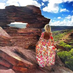 If you love life, Life will love you back! ❤️ Fot @hollycowartoftraveling  #dress @zaquad #Australia #WhatannawearsXAustralia #TravelWithHollycow #natureswindow #kalbarii  SNAPCHAT : WHATANNAWEARS