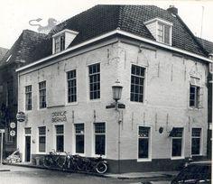 auckemastraatje-hoek herenwaltje 1966 Historisch Centrum Leeuwarden - Beeldbank Leeuwarden
