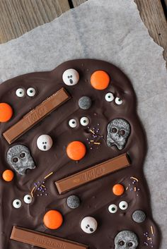 Halloween Decorations, Halloween Party, Home Bakery, Just Eat It, Sweet And Salty, I Love Food, Kids Meals, Yummy Treats, Food And Drink