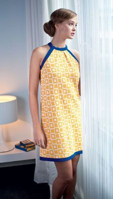 Robe graphique jaune et bleue : allure moderne