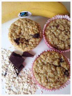 Sunne Havregrynsmuffins med banan og sjokolade - http://www.mytaste.no/o/sunne-havregrynsmuffins-med-banan-og-sjokolade-40796130.html