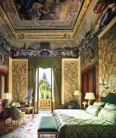 The Four Seasons in Florence occupies a Palace that belonged to Florentine nobles, including a pope, for 500 years.