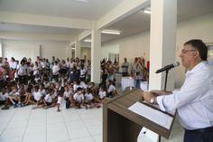 O governador Raimundo Colombo e prefeito de Ituporanga, Arno Zimmermann, inauguraram, nesta terça-feira, 10, no município do Alto Vale do Itajaí, o novo Centro Educacional Pedro Júlio Müller.