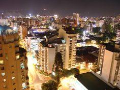 Bucaramanga Colombia de noche.
