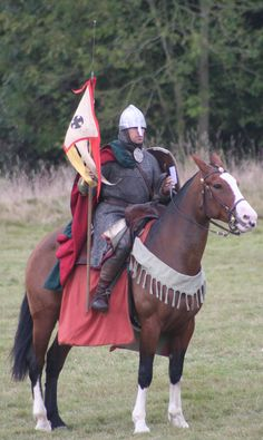 Nigel Amos portraying a Norman knight battle of Hastings. Ancient Egyptian Art, Ancient History, European History, Ancient Aliens, Ancient Greece, American History, Medieval Life, Medieval Armor, Norman Knight