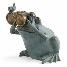 Spectator Frog Statue/FRONTGATE