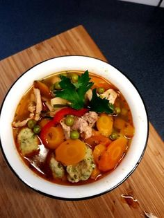 Hungarian Food, Hungarian Recipes, Thai Red Curry, Soups, Food And Drink, Ethnic Recipes, Recipes, Red Peppers, Hungarian Cuisine