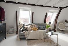 Small But Bright Upper Floor Loft With Elegant Design Features