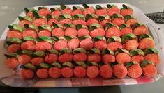 Lakodalmas barack Dog Food Recipes, Strawberry, Fruit, Caramel, Dog Recipes, Strawberry Fruit, Strawberries, Strawberry Plant