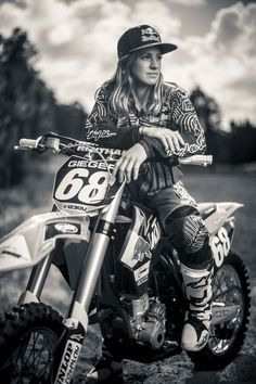 Endurocross rider Tarah Geiger on getting nude and fixing her own bike | GrindTV.com: