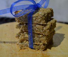 Spiced Apple Granola Bars (gluten free, no added sugar) | Dietitian UK