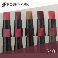 PERFECTLY MATTE LIPSTICK SAMPLE PACK Includes: perfectly nude, marvelous mocha, coral fever, pure pink, electric pink, ideal lilac, hot plum, superb wine, adoring love, ravishing rose. Option 2 Avon Makeup Lipstick