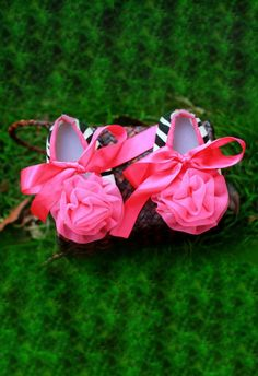 D'chica Little Princess Flower Shoes Pink and Black. Baby girl shoes.