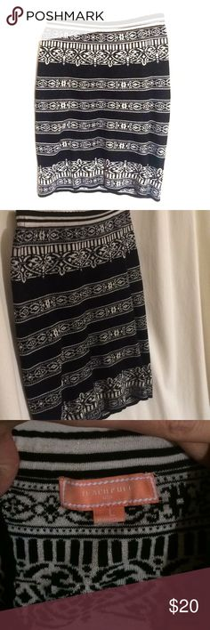 """Boutique Body-Con Skirt ! Worn twice!  Rock those curves with this Lovely black knit skirt.  Classy design, accented with subtle gold thread. Beautiful borders! Sized """"L"""" but fits like """"M"""" I wear a Sz 6 and it was definitely body con on me.  EUC ! Peachy Puff Skirts"""