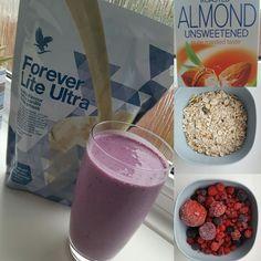 Breakfast #shake : Almond #milk, mixed #berries, oat and #ForeverLiteUltra.