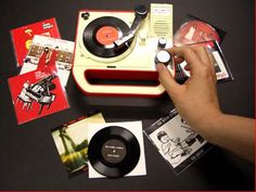 Tiny record player w/ 3inch records only sold at White Stripes shows. WANT.