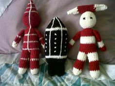Muñecos Selknam Lana, Symbols, Christmas Ornaments, Knitting, Holiday Decor, 3d, Google, Knitted Animals, Christmas Presents