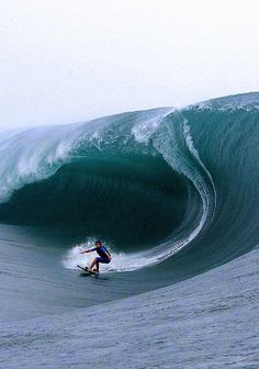 Surf in the bigs waves is a spectacular thing! check out the video.Surf in the bigs waves is a spectacular thing! check out the video. Water Waves, Ocean Waves, Ocean Beach, Surf Mar, Big Wave Surfing, Huge Waves, Photo Libre, Surfs Up, Ocean Life