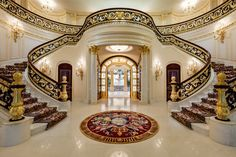 This almost unbelievably grandiose beachfront estate in Hillsboro Beach is going to auction late this fall. The property has been dubbed Playa Vista Isle, and Luxury Staircase, Grand Staircase, Staircase Design, Double Staircase, Grand Foyer, Mansion Interior, Luxury Homes Interior, Luxury Home Decor, Modern Interior