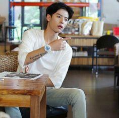 / Korean Boys Ulzzang, Cute Korean Boys, Ulzzang Boy, Asian Boys, Mens Fashion Blog, Boy Fashion, Cities In Korea, Twisted Fate, Fine Boys