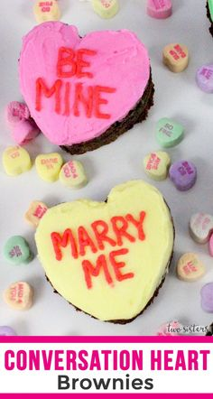 Conversation Hearts Brownies - Turn a pan of Brownies into these adorable Valentines Day Treats, perfect for a family night dessert. Pink Party Favors, Best Buttercream Frosting, Brownie In A Mug, Cold Cake, Brownie Desserts, Pink Foods, Valentines Day Desserts, Converse With Heart, Salty Cake