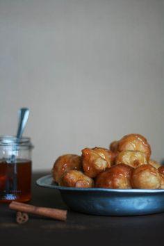 cookmegreek: Loukoumádes - bite size Greek donuts with honey Greek Sweets, Greek Desserts, Churros, Beignets, Mochi, Shortbread, Greek Donuts, Greek Cooking, Greek Dishes