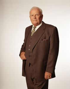 John Ingle, who played the curmudgeon-with-a-heart Edward Quartermaine on General Hospital since 1993, passed away on September 16th. He was 84 years old. He leaves behind quite a legacy.
