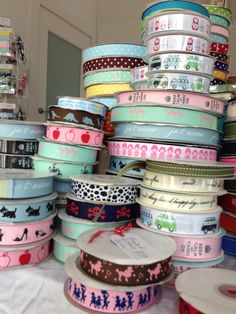 Printed grosgrain ribbon Grosgrain Ribbon, Ribbons, Dots, Printed, Tableware, Cake, Pretty, Style, Stitches