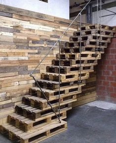 Pallet Shelves Projects Pallet staircase - Home decor is incomplete without the super stunning pallet wall shelves ideas. The pallet wall shelves ideas leave no stone unturned in boosting up the appeal of your home. Pallet Stairs, Pallet Wall Shelves, Diy Pallet Wall, Pallet Walls, Wooden Pallet Furniture, Wooden Stairs, Diy Pallet Projects, Pallet Ideas, Wood Projects