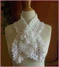 Crochet Free: Hi girls! Beautiful yarn scarf decorated with a flower in the center, loved hope you enjoy. Crochet Scarves, Crochet Shawl, Crochet Clothes, Knit Crochet, Crochet Fabric, Crochet Sweaters, Crochet Crafts, Crochet Projects, Crochet Unique
