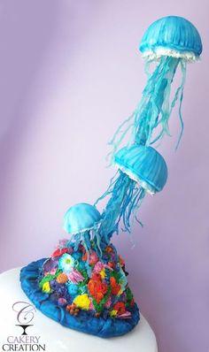 jellyfish cake - Cake by Cakery Creation Liz Huber Anti Gravity Cake, Gravity Defying Cake, Ocean Cakes, Beach Cakes, Cake Wrecks, Beautiful Cakes, Amazing Cakes, Cake Structure, Fantasy Cake