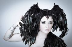 Fallen angel feather headpiece // Black Halloween headdress / Dark fashion goth headpiece / Demon wings costume / Maleficent wings / Cosplay