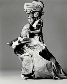 Malgosia Bela & Gisele Bündchen (in John Galliano for Christian Dior Haute Couture - Spring-Summer 2000 collection) photographed by Richard Avedon in New York - March, 2000