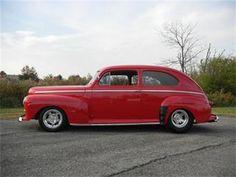 1947 Ford Deluxe Custom.