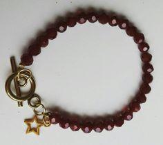 Bekijk dit items in mijn Etsy shop https://www.etsy.com/nl/listing/258857577/mooie-armband-van-donkerrode-facet