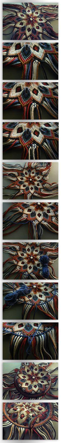 Pouch Tutorial Part III by ~nimuae on deviantART - making a macramé pouch, five parts: http://nimuae.deviantart.com/art/Pouch-Tutorial-Part-I-Bottom-314899434