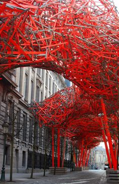 Art & Installation - The Sequence, Brussels, Belgium by artist Arne Quinze - Installation outside the Flemish Parliament. Land Art, Modern Art, Contemporary Art, Instalation Art, Suncatcher, Artistic Installation, Light Installation, Art Furniture, Public Art
