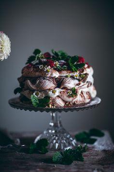 Pampered Chef Recipes, Gourmet Recipes, Gourmet Foods, Chocolate Swirl, Melting Chocolate, Pavlova, Call Me Cupcake, Taco Dinner, Trifle Desserts
