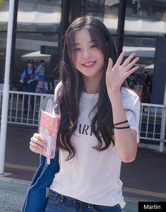 Wonyoung l produce 48 Ulzzang Korean Girl, Cute Korean Girl, Asian Girl, Kpop Girl Groups, Kpop Girls, Japanese Girl Group, Girl Day, Girl Photos, Cute Girls