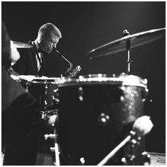 Gerry Mulligan (Concertgebouw Amsterdam) May 1957 - Photo Hans Buter Gerry Mulligan, Dave Brubeck, Cool Jazz, All That Jazz, Jaz Z, Jazz Blues, Youth Culture, Social Change, May