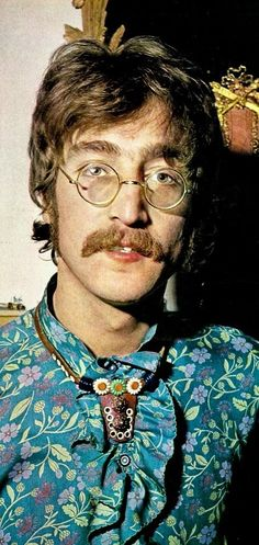 John Lennon Sgt. Pepper's Lonely Hearts Club Band (promotional photo shoot) 1967