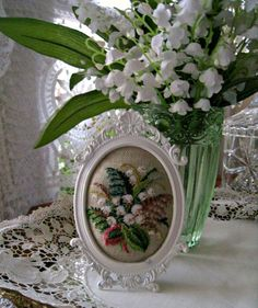 Lily of the Valley Cottage May Flowers, White Flowers, Beautiful Flowers, Purple Flowers, Irish Cottage, White Cottage, Cozy Cottage, Lily Of The Valley Flowers, Raindrops And Roses