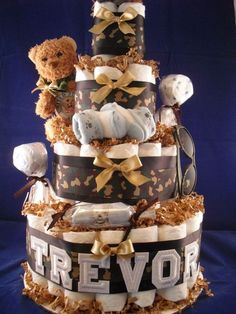 Army Baby Diaper Cake-hmm... if @Natosha Clark has a boy, this will be an idea!