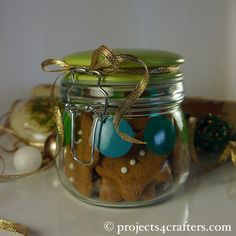 A cheap present idea is to decorate a jar with Efco's Color Dekor and fill it with cookies!