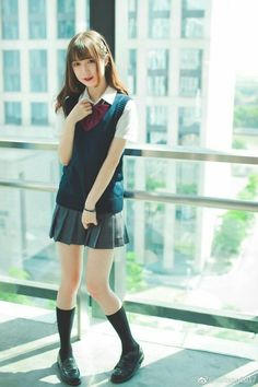- Salvabrani Japan (like sleep) School Uniform Fashion, Japanese School Uniform, School Uniform Girls, Girls Uniforms, School Girl Japan, Japan Girl, Cute Asian Girls, Cute Girls, Girls In Mini Skirts